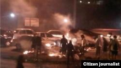 En Venezuela los manifestantes bloquearon dos veces la autopista caraqueña Prados del Este el 03/26/2014
