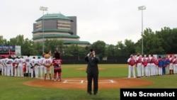 Los Chacales de New Jersey vs. la selección nacional de Cuba.