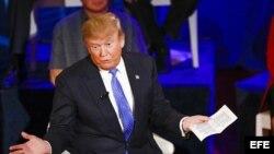 El precandidato republicano a la Presidencia de EE.UU. Donald Trump participa en un foro hoy, martes 29 de marzo de 2016, en Milwaukee, Wisconsin (EE.UU.).