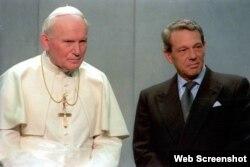 El exportavoz del Vaticano Joaquín Navarro-Valls junto a Juan Pablo II.
