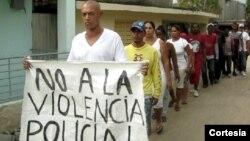 Marcha de opositores por calles de Guantánamo