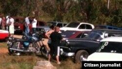 """La """"feria del auto"""" San Antonio de los Banos. Foto Jorge Bello."""