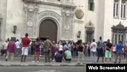 Colas Habana Reporta CUba Habana rebaja precios cel