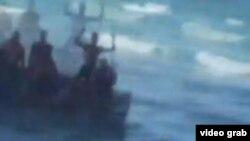 Balseros que llegaron a Hollywood Beach estuvieron ocho días en el mar, cuatro sin agua ni comida.