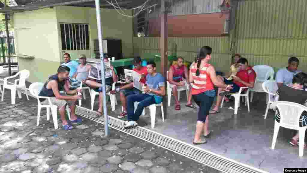Nuevos campamentos en Costa Rica para cubanos.