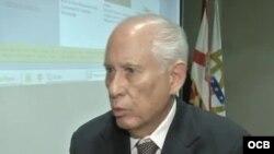 """Carmelo Mesa-Lago dijo que no tiene prueba de que en Cuba exista una lucha por el poder """"pero es obvio""""."""