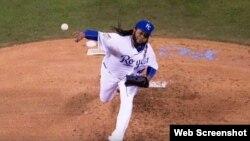 Johnny Cueto maniató anoche a los bateadores de los Mets.