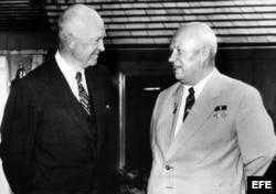 Eisenhower y el líder soviético Nikita Khruschev en Camp David, Maryland, 1959.