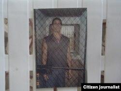 El periodista independiente Fabio Prieto en su celda (Payo Libre).