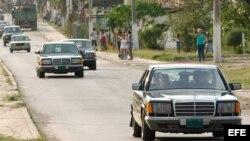 Fidel Castro se movía en una caravana de Mercedes Benz con no menos de diez escoltas y dos de ellos donantes de sangre, asegura su ex guardaespaldas.