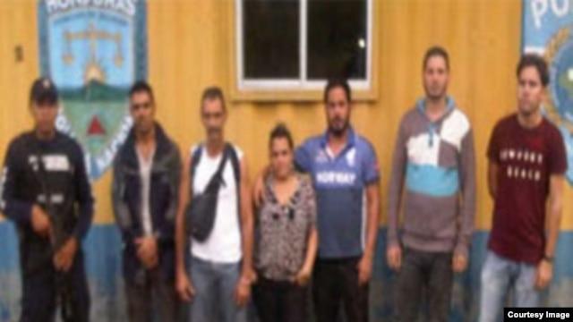 Cubanos detenidos