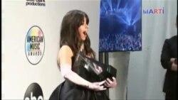 Camila Cabello y Taylor Swift ganan 4 American Music Awards