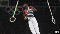 El gimnasta cubano Manrique Larduet en acción en la Arena Olímpica de Río de Janeiro.