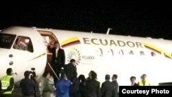 Se inicia gira de Correa por Europa