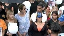 Cientos de venezolanos rinden tributo a Mónica Spear