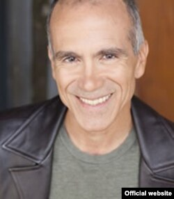 Henry Godínez, catedrático de Teatro de la Universidad Northwestern