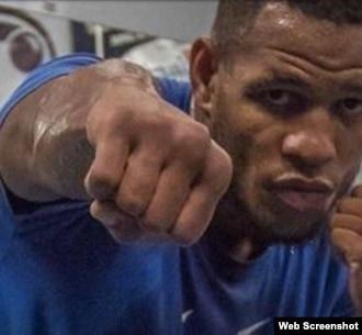El boxedador guantanamero Sullivan Barrera.