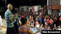 Con frecuencia, los cubanos se quejan de que no se resuelven sus problemas.