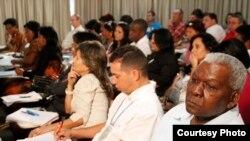 ¿Qué temas deberían debatirse en la Asamblea Nacional? Cubanos opinan