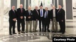 Grupo de cubanos que visitaron la sede de la CIA y se reunieron con el director Mike Pompeo