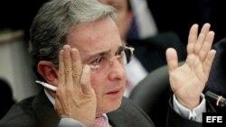 """Las memorias del expresidente colombiano Álvaro Uribe llevan por título """"No hay causa perdida""""."""