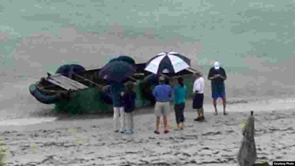 Balseros cubanos llegan a las costas Key Biscayne