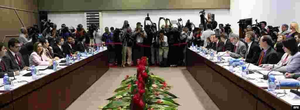 Vista general durante la primera reunión EEUU-Cuba tras el anuncio del restablecimiento de sus relaciones diplomáticas