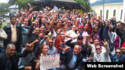 Cubanos en Quito, durante una reunión de la Alianza Nacional Cubana de Ecuador, el 27 de marzo.