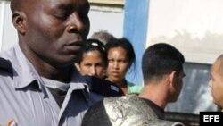 Intensifican represión contra activistas de derechos humanos