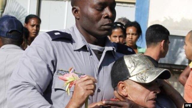 Represión en las calles de Cuba