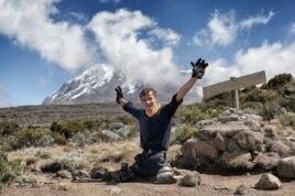 Sacha D'Jamoos en el Kilimanjaro