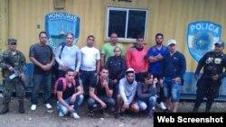 Grupo de cubanos retenidos en Honduras (30 de abril, 2015).