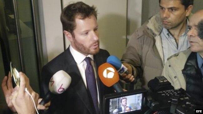 El portavoz de la Fiscalía de Bruselas y magristrado, Guilles de Dejemeppe, declara que Carles Puigdemont y sus exconsejeros se han entregado a llas autoridades.