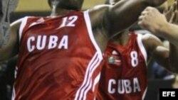 Demora en el otorgamiento de parole a atletas cubanos