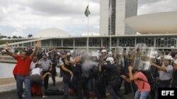 Protestas en Brasilia el martes 7 de abril de 2015.