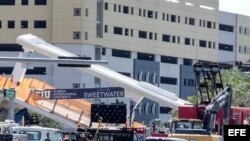 Varios muertes al desplomarse un puente peatonal en el suroeste de Miami