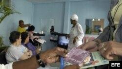 Folletos informativos sobre SIDA en Cuba