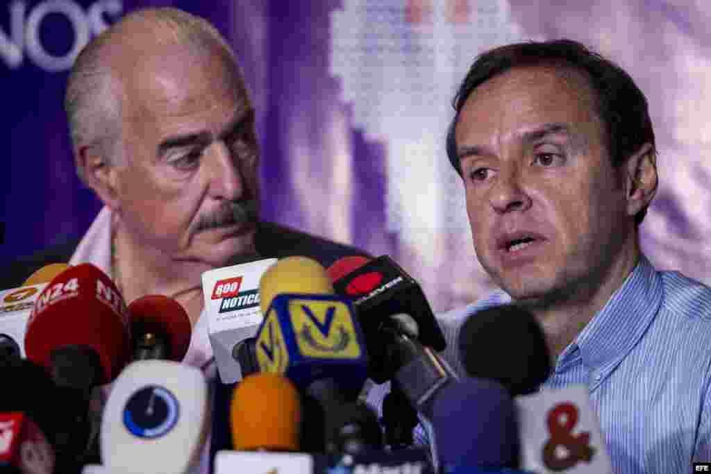 Los expresidentes Andrés Pastrana de Colombia (i) y Jorge Quiroga de Bolivia en foto de archivo.