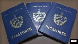 Esperan con impaciencia entrada en vigor de nueva ley migratoria en Cuba