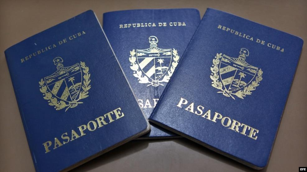 Vista de pasaportes cubanos.