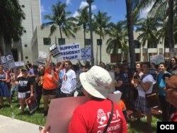 Protestas anti Trump en la Universidad Internacional de la Florida