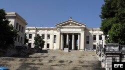 ¿Cuáles son los hechos más importantes de la década del 40 en la República de Cuba?