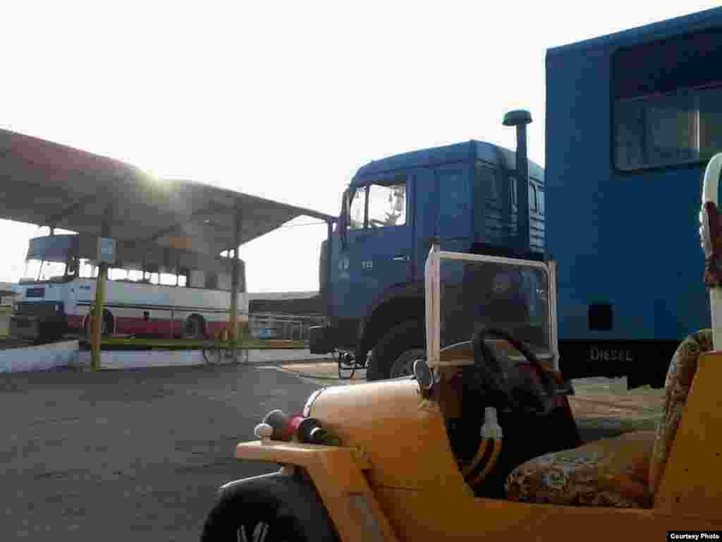 Auto Propiedad de Raúl Zerquera Díaz.