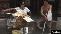 Vendedores ambulantes en La Habana
