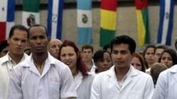 Médicos cubanos cuestionan la formación de profesionales