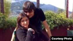 Barankov con su novia, en Quito.