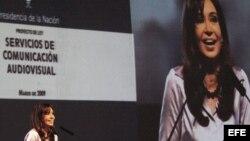 Fotografía de archivo de la presidenta argentina, Cristina Fernández de Kirchner, en el Teatro Argentino, de La Plata.