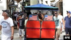 Turistas en una calle de La Habana (18 de julio, 2015).