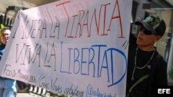 Opositores protestan por crisis en Venezuela. (Archivo)