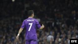 El delantero portugués del Real Madrid, Cristiano Ronaldo, anotó dos goles.